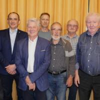Im Bild von links: Sebastian Klein (Beisitzer), Stephan Schneider (Ortsvereinsvorsitzender), Manfred Finster (stellvertretender Ortsvereinsvorsitzender), Jürgen Baum (Beisitzer), Bernd Baumgart (Revisor), Hans Ankenbrand (Schriftführer), Manfred Stühler (